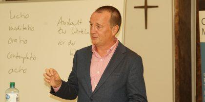 Öffentliche Abendvorlesung zur Theologie der Spiritualität hat begonnen
